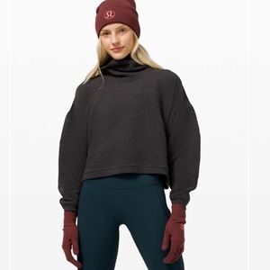 New Lululemon Gloves and Beanie Set